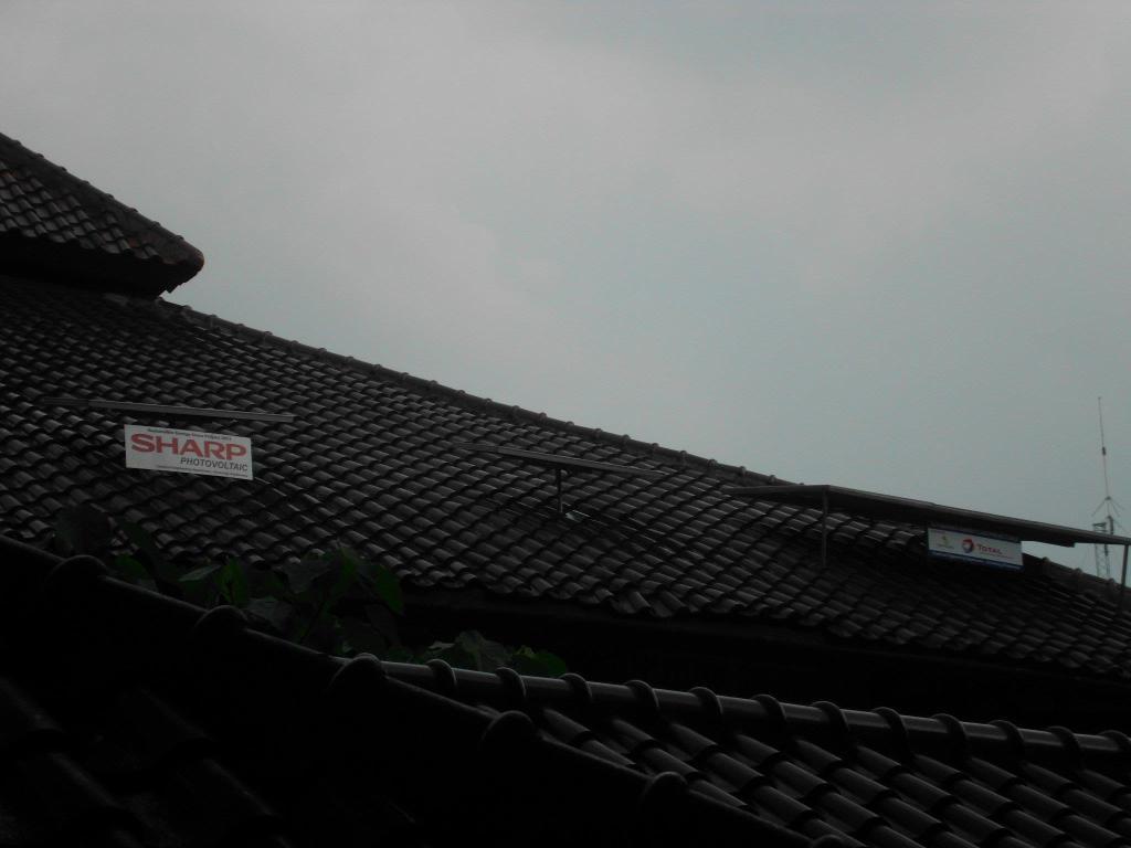 Solar Panel pada Atap Departermen Teknik Kimia