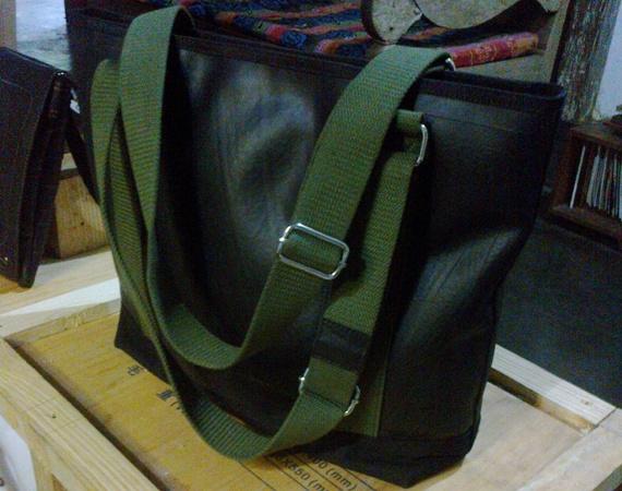 Tas ban bekas ini harganya Rp 500 ribu (foto: bamset)