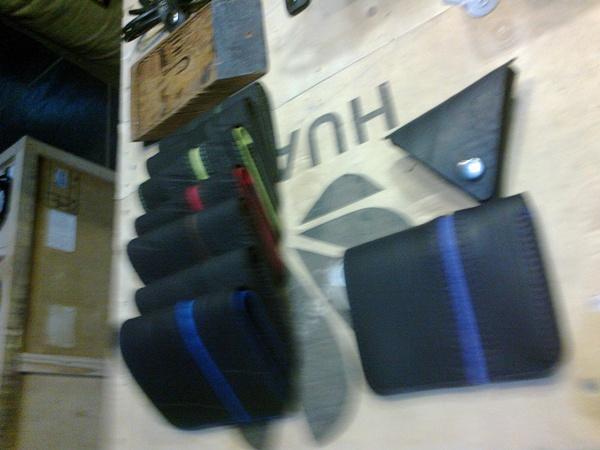 Aneka dompet pria buatan KSS (foto: bamset)