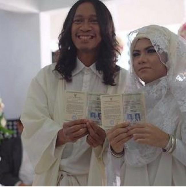 Pernikahan Aming-Kevin. Sumber:tabloidnova