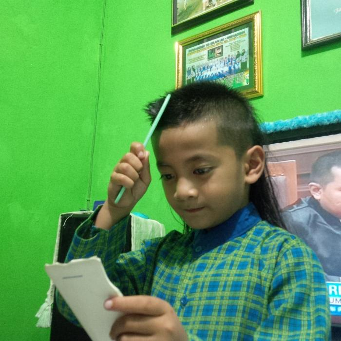 Gaya Rambut Anak Lakilaki Oleh Deydi M Kompasianacom - Gaya rambut anak laki laki sd
