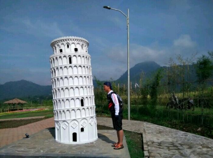 Objek wisata minuatur dunia di Purwokerto