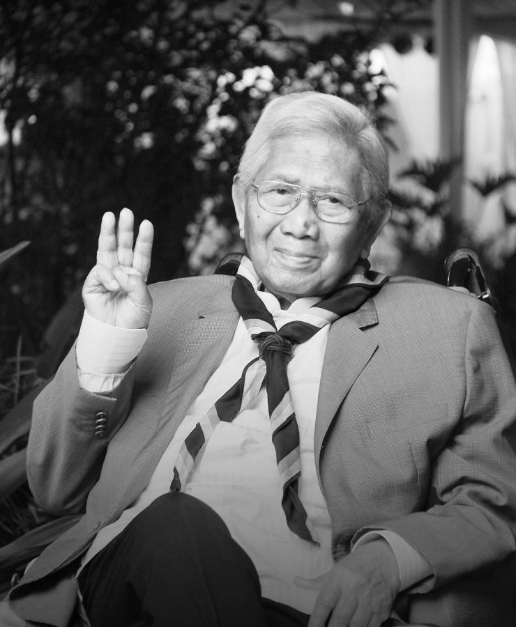 Ama Soewarma dengan salam Pandu. (Foto: ISJ)