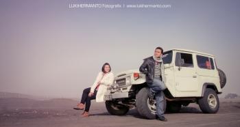 Percantik Foto Pre Wedding Di Bromo Dengan Jeep Oleh Hamidiyawan
