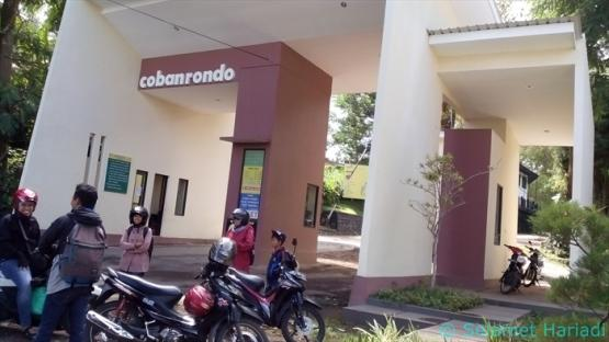 Pintu Masuk Air Terjun Coban Rondo (dok.pribadi)