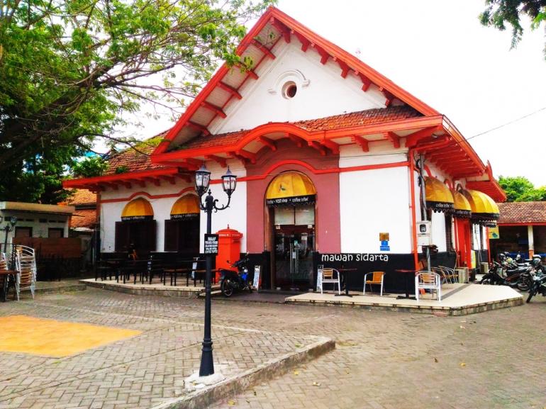 Kantor Pos Kuno Yang Kini Jadi Kafe Di Surabaya Kompasiana Com