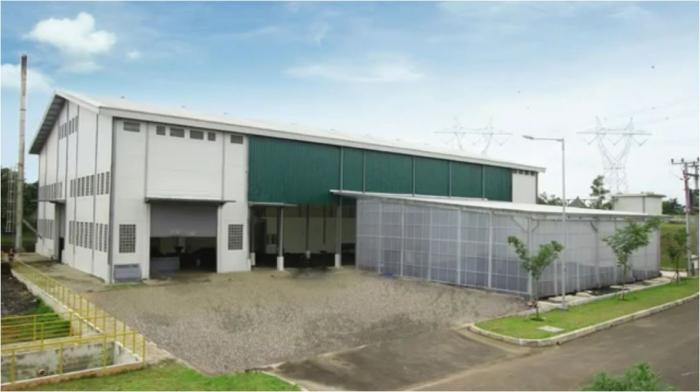 Greenhouse tampak di samping bangunan utamapabrik/Foto milik Tadashi Nakamura