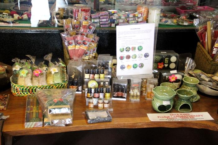 Aneka produk aromatherapy karya kreatif wirausahawan Tangsel. (Foto: Gapey Sandy)