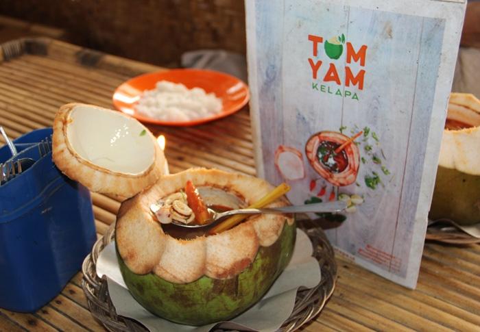 Kuliner Tom Yam Kelapa di Tangsel. (Foto: Gapey Sandy)