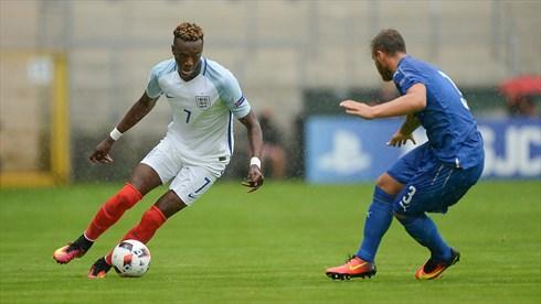 (Inggris saat kalah dari Italia 1-2 dilaga semifinal Piala Eropa U19/sumber foto dilansir dari UEFA.com)