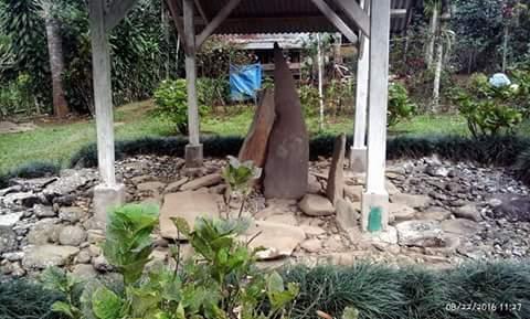 situs batu kujang