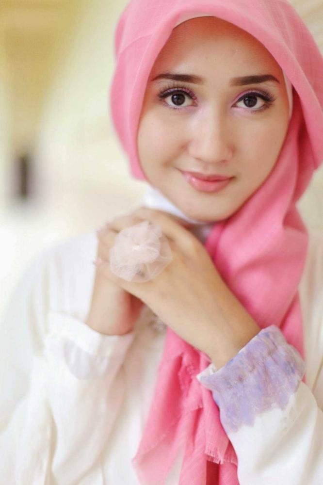 Dian Pelangi salah satu pengusaha muda sukses lewat sales penjualan Hijab | sumber: tabloid xpresi