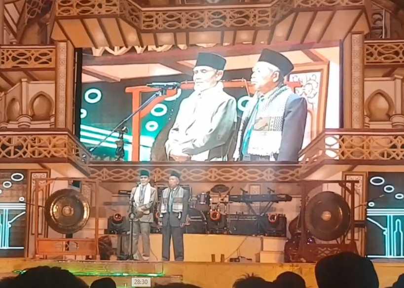 Pak Hasan dan Pak Syamsul Hadi menyampaikan sambutan di PG 692. (@iskandarjet)