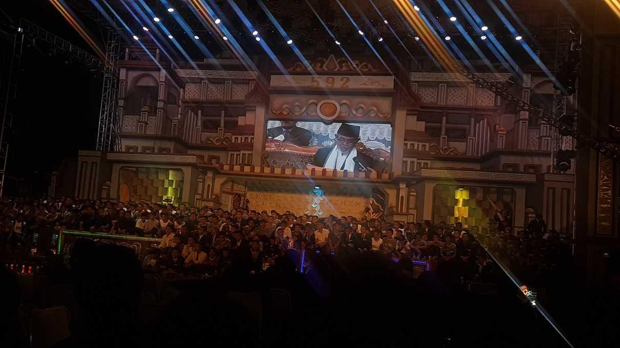 600 an santri kelas 5 menyimak nilai yang diberikan oleh pimpinan pondok untuk Drama Arena mereka. (@iskandarjet)