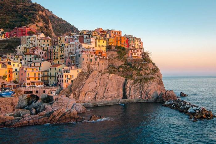 Cinque Terre di Italia. Sumber ilustrasi: lonelyplanet