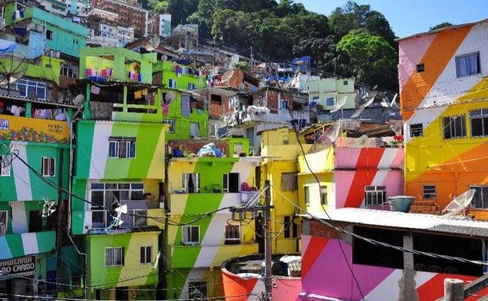 Favela di Rio de Janeiro. Sumber ilustrasi: urbanadventures.com