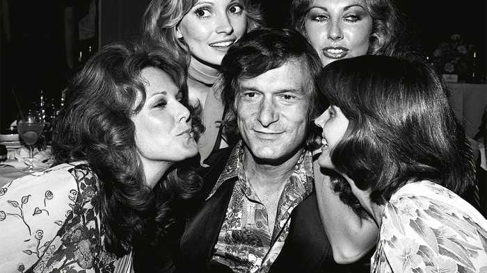 Sejak muda Hefner dikelilingi wanita cantik - Foto: Variety.com