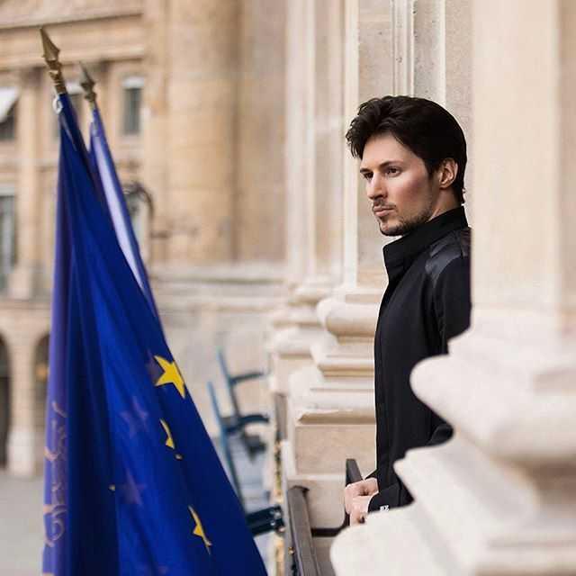 Durov saat di Paris (sumber: www.tribunnews.com)