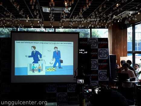 Cerita Kikuo Ibe mengenai awal mula G-Shock beliau sampaikan dalam bahasa Indonesia dibantu animasi
