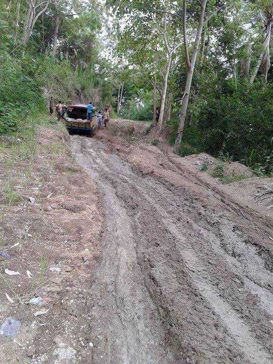 Kondisi jalan ke Elar Manggarai Timur(sumber: Facebook Ferdi Rondong
