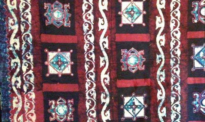 Batik Pinar Asi Asi koleksi Waritri Mumpuni dari Batik Batak Melayu. (Foto: Gapey Sandy)