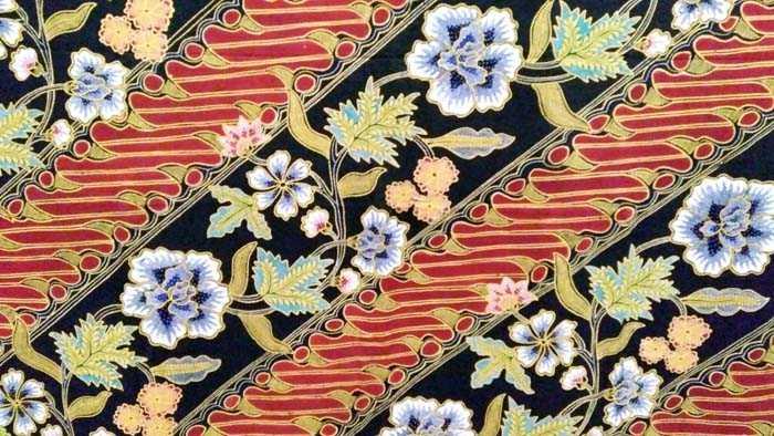 Batik Parang Seling Kembang koleksi Ahmad Failasuf dari Batik Pesisir, Pekalongan. (Foto: Gapey Sandy)