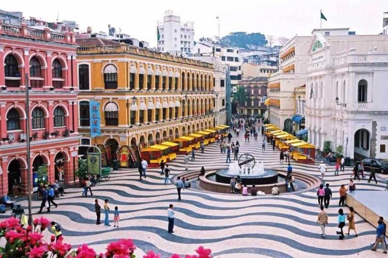 Mencicipi Portugis Zaman Old di Senado Square Macao Yang Kekinian ...
