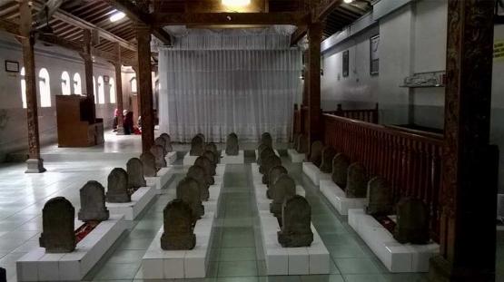 Makam Sunan Muria dan keluarga Foto Dokpri