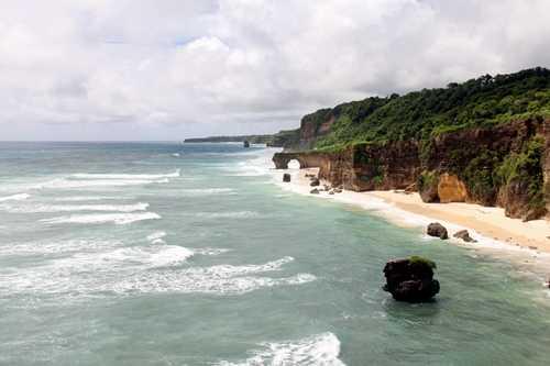 Keindahan alam nan memesona dilihat dari Tanjung Radar (foto dindin)