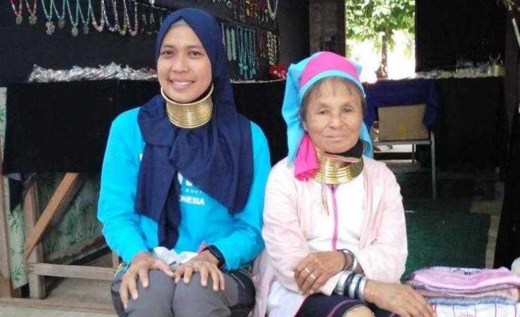 Bersama warga lokal di Bagan (dok.pribadi)