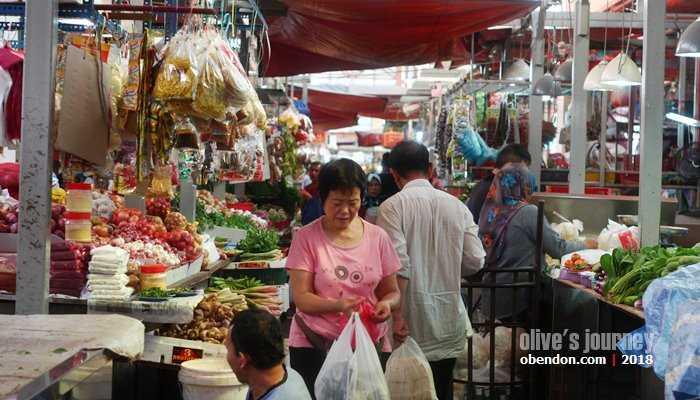 Suasana di Pasar Chow Kit, Kuala Lumpur (dok. koleksi pribadi)