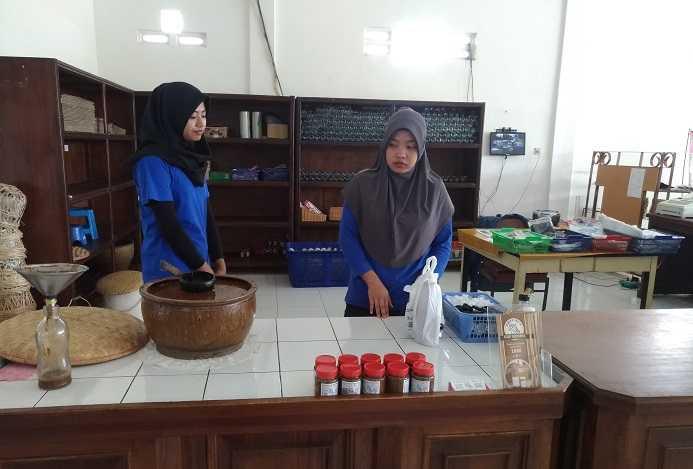 Toko Cap Meong Cijedil Cugenang Cianjur (Dok. Didno)