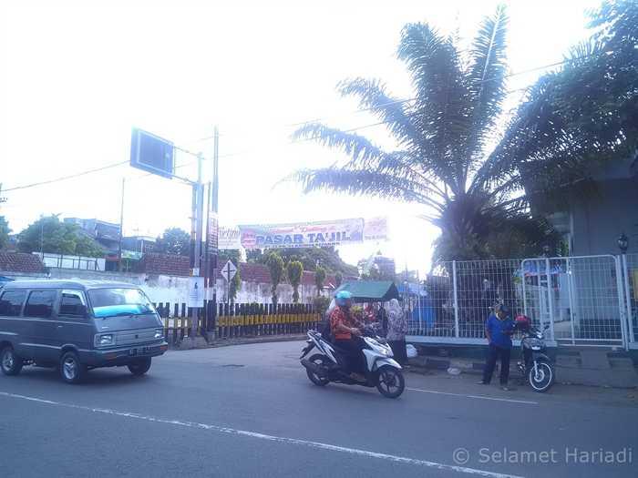 Dari jauh, Pasar Takjil (dok.pribadi)