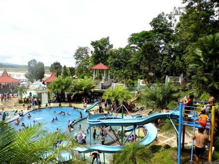Tempat Wisata di Karangkates-Malang (dok.zulviarumaida)