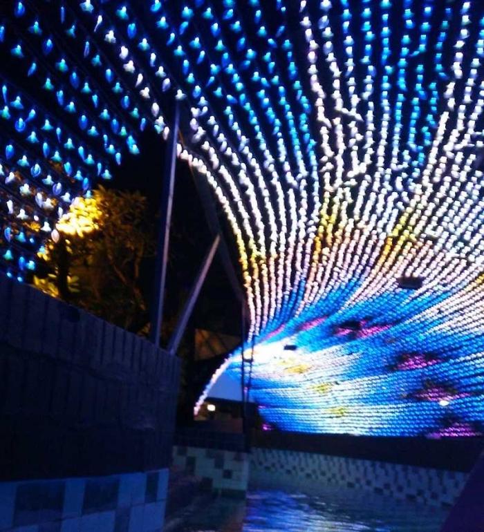 Lighting Tunnel yang futuristik (dok.pribadi)