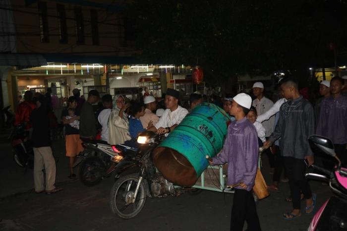 Beduk yang dibawa berkeliling saat pawai takbiran di Belakangpadang, Batam. | Dokumentasi Pribadi