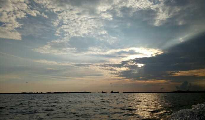 Senja saat menuju ke Belakangpadang. | Dokumentasi Pribadi