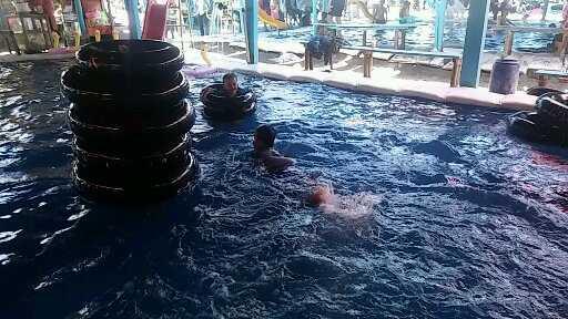 Arena kolam renang - Dok. Susanti Hara