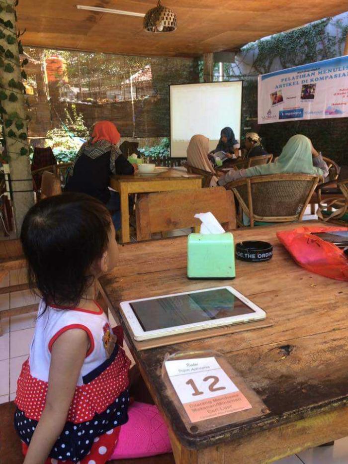 Suasana workshop (dok. Vlomaya)