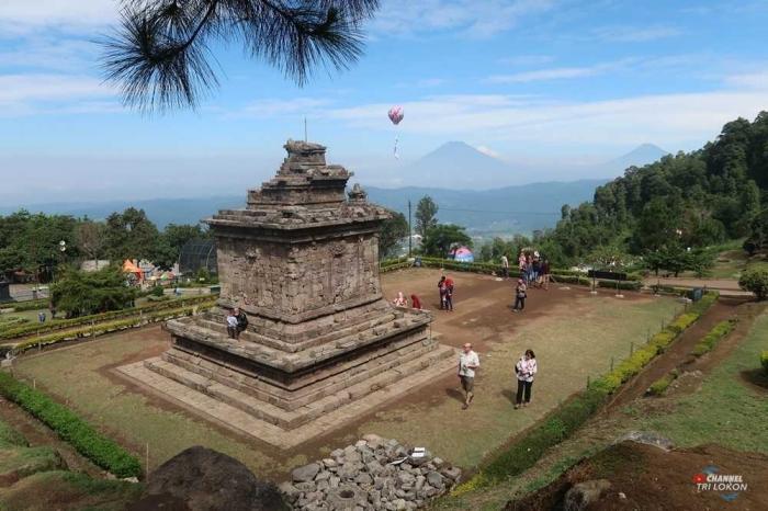 Ayana Di Candi Gedong Songo Melawan Wisata Sejarah Oleh Tri Lokon