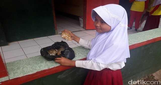 Seorang Anak yang menanggung beban hidup. Source: news.detik.com