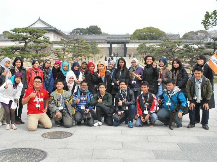 Bersama grup Osaka saat Student Exchange ke Jepang, Tahun 2014. Sumber foto: Dokumentasi Pribadi