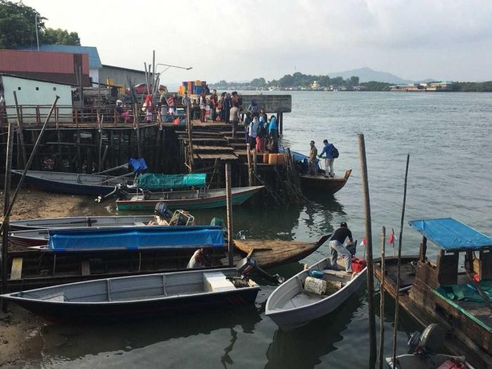 Memulai perjalanan dari pelabuhan rakyat Sagulung Batam (dokpri)