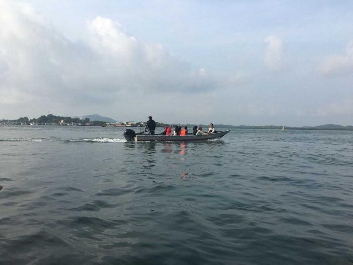 Aksi relawan Sahabat Hinterland mengarungi samudra Indonesia