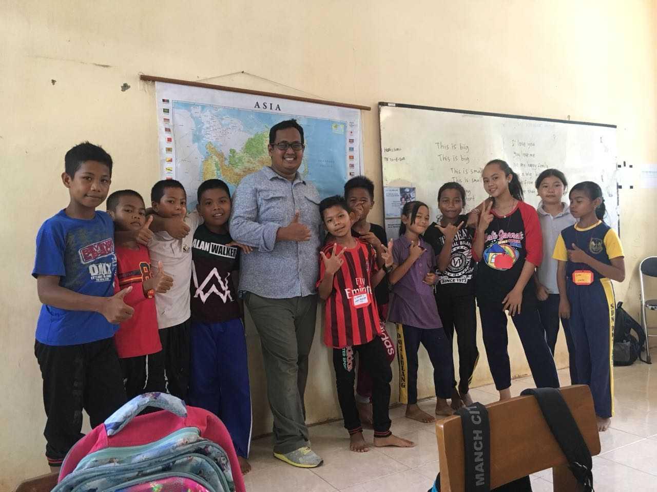 Serunya bersama membuat vlog bersama murid kelas 6 SDN 006 Bulang (dokpri)