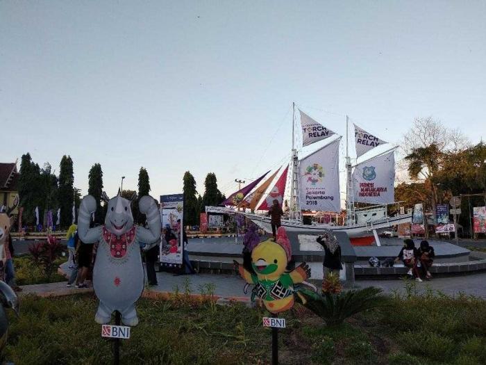 Pusat Kota Bulukmba menyambut meriah Pawai Obor Asian Games (Dokumen Pribadi)