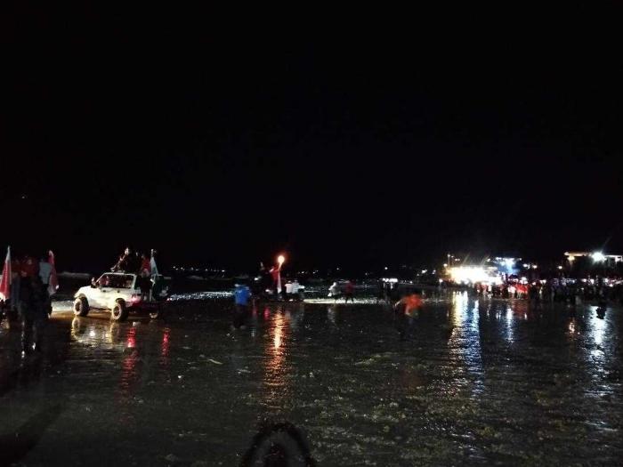 Kapal Phinisi dan 45 Perahu berlabuh di Pantai Tanjung Bira (Dokumen Pribadi)