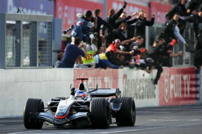 Kimi Raikkonen di GP Jepang 2005 (Sumber: Reddit)