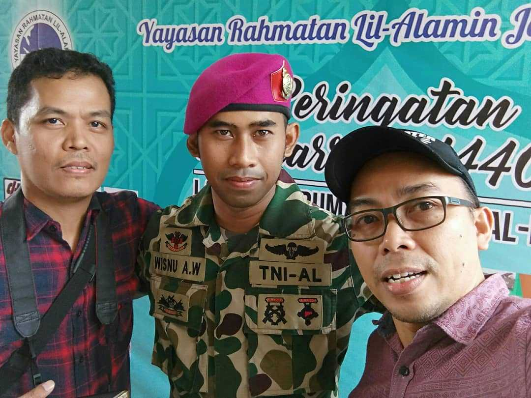 Wisnu AW, Korps Marinir TNI AL (tengah) - Dokpri