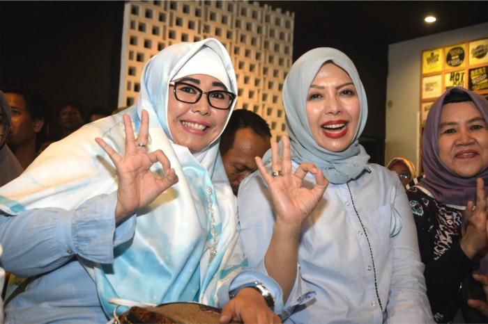Bunda Linda Bersama Nur Asia (istri Sandi Uno)